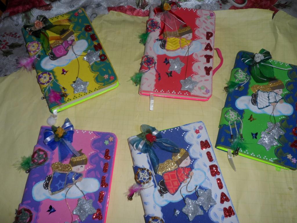 Cuaderno forrado angelitos Sam_0310
