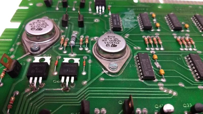 Transistors TO3 sur Driver Gottlieb, pas de contact de la masse. Img_2057