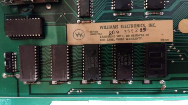Dépannage d'une carte Williams System 4 (Flash) Img_2084