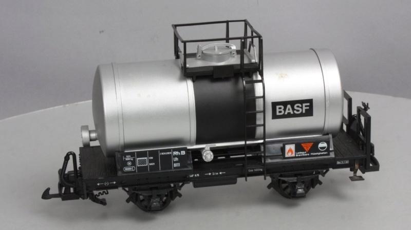 Cisterna BASF a 4 eixos; un free lance de tallers Francesc Lgb_4015