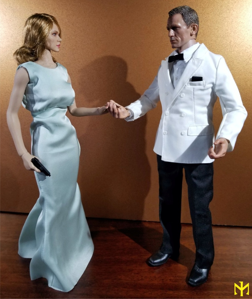 film - Black Box Toys BBT9006 Spectre Girl (Madeleine Swann/Lea Seydoux) Review Bbtsg017