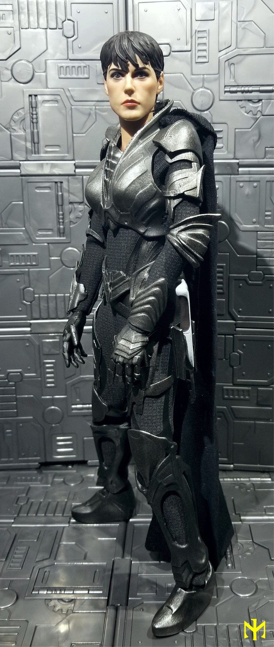 manofsteel - Faora (slightly customized Lady Commander) Faora014