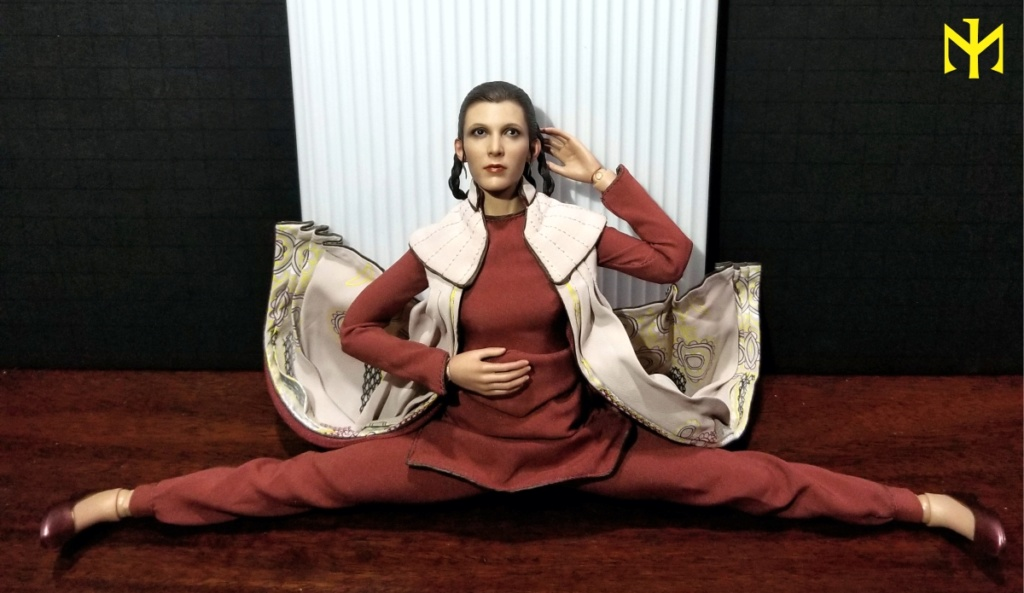 STAR WARS Hot Toys Princess Leia (Bespin) (updated with Part II: Kitbash Potential) Htleia15