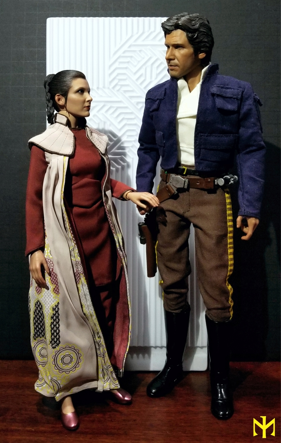 EmpireStrikesBack - STAR WARS Hot Toys Princess Leia (Bespin) (updated with Part II: Kitbash Potential) Htleia22