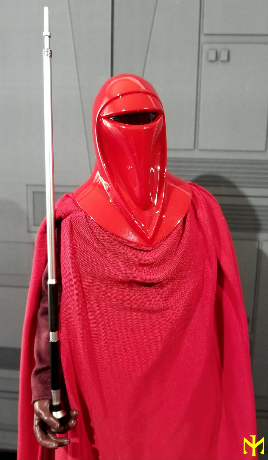 returnofthejedi - Hot Toys Star Wars Royal Guard Review Htrg0410