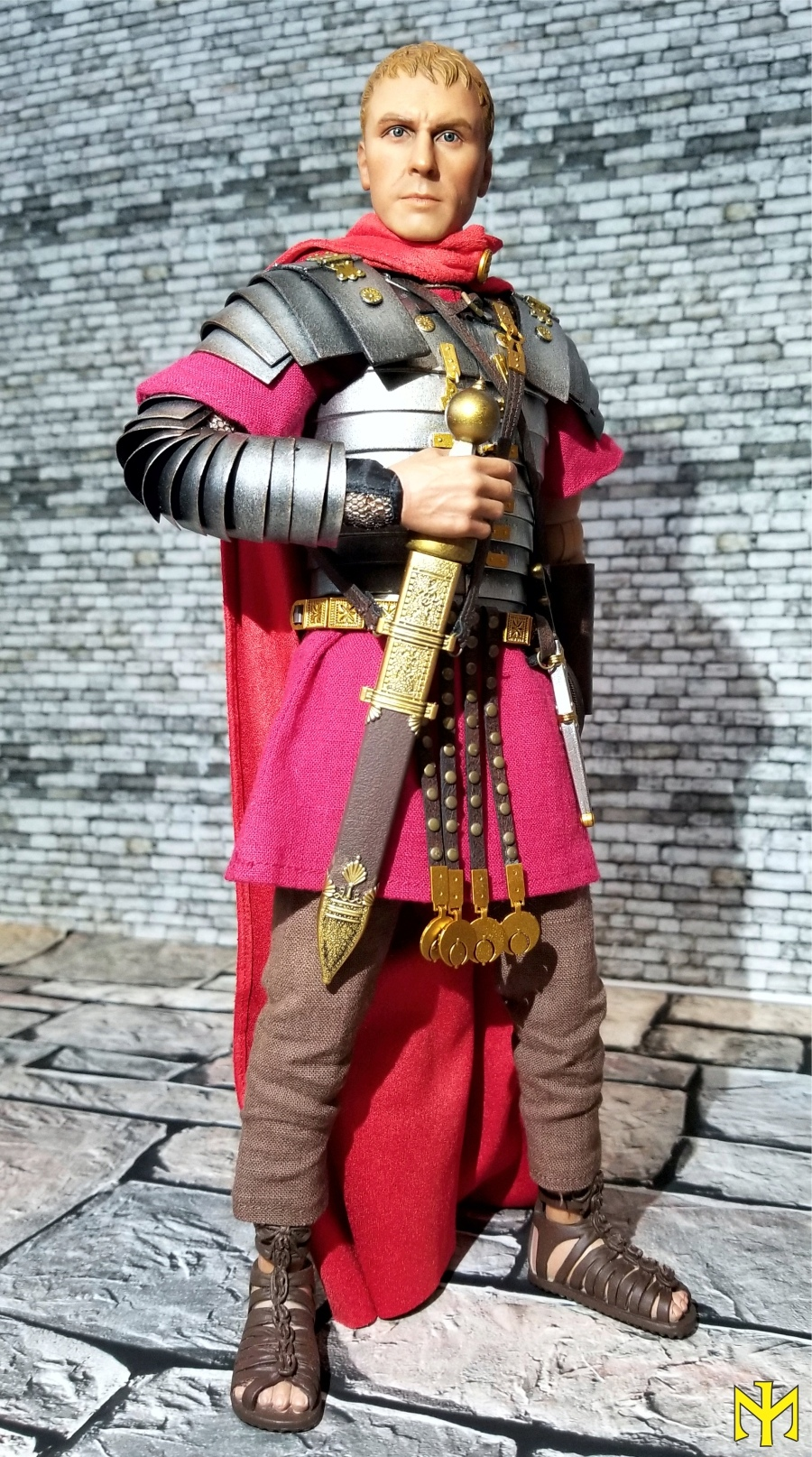 ROME Imperial Army Reloaded: Infantry by HH Model/HaoYu Toys review (updated with comparison photos) Iir0210