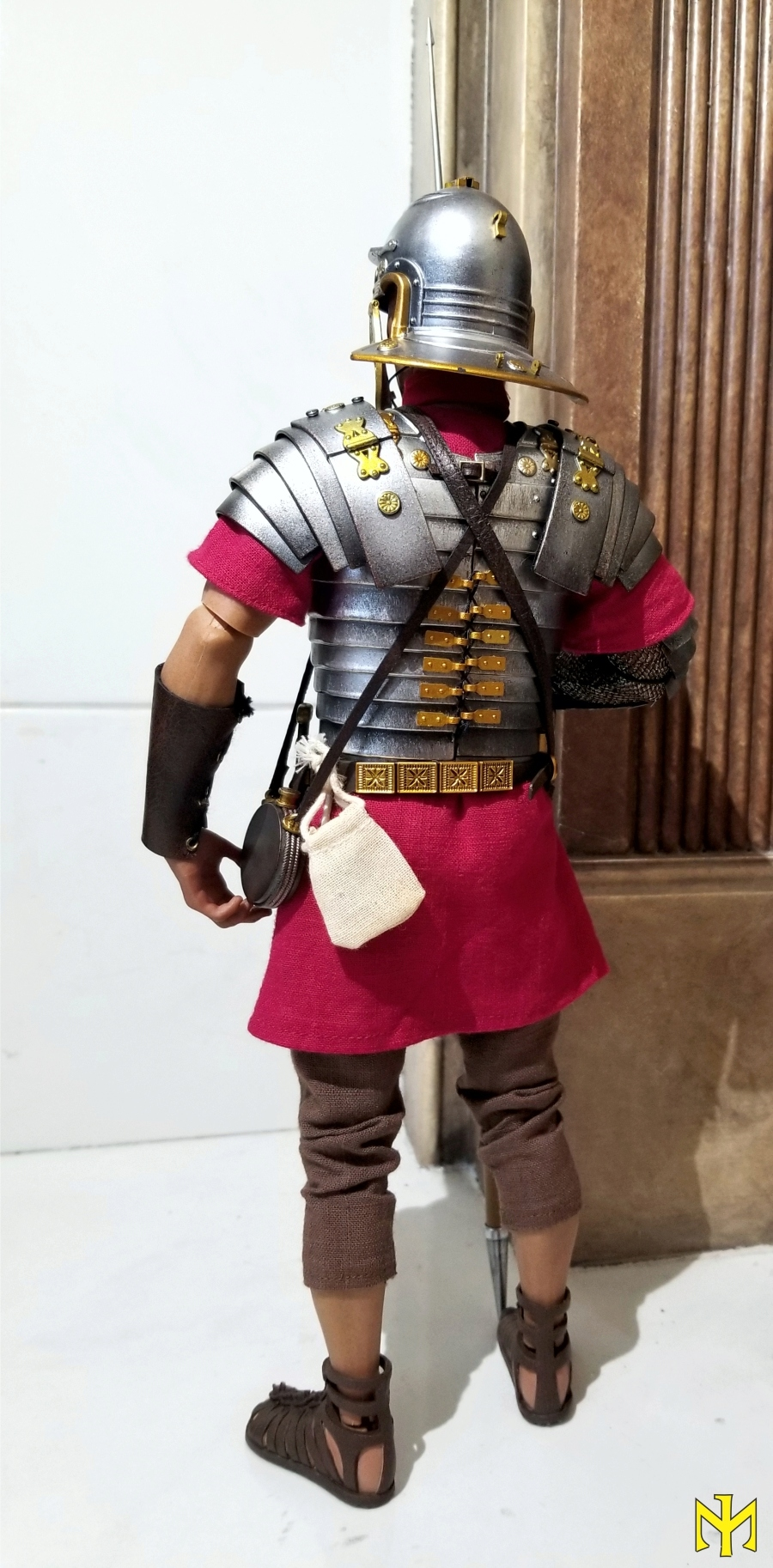 ROME Imperial Army Reloaded: Infantry by HH Model/HaoYu Toys review (updated with comparison photos) Iir0810