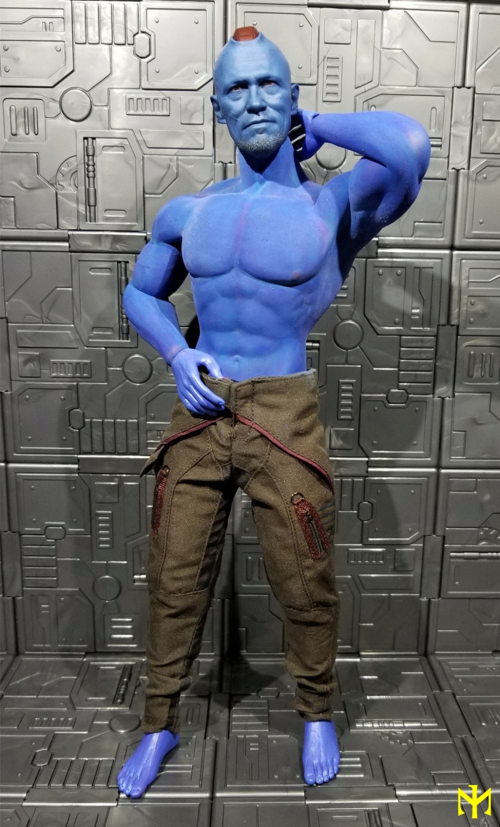 Painting seamless bodies Yondu012