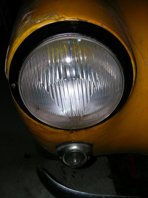 Vos conseils pour l'achat d'un phare pour coupé KG de 1961 Sany1610