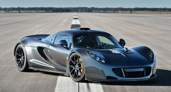 Os três carros mais rápidos do mundo. Artes313