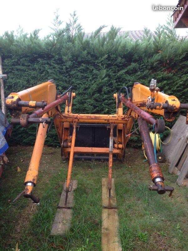 compatibilité d'une fourche avec tracteur Renault Super 6D 497c2510