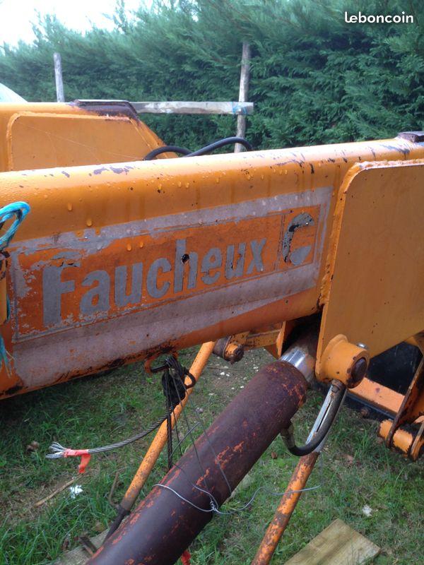 compatibilité d'une fourche avec tracteur Renault Super 6D 4b5ad510