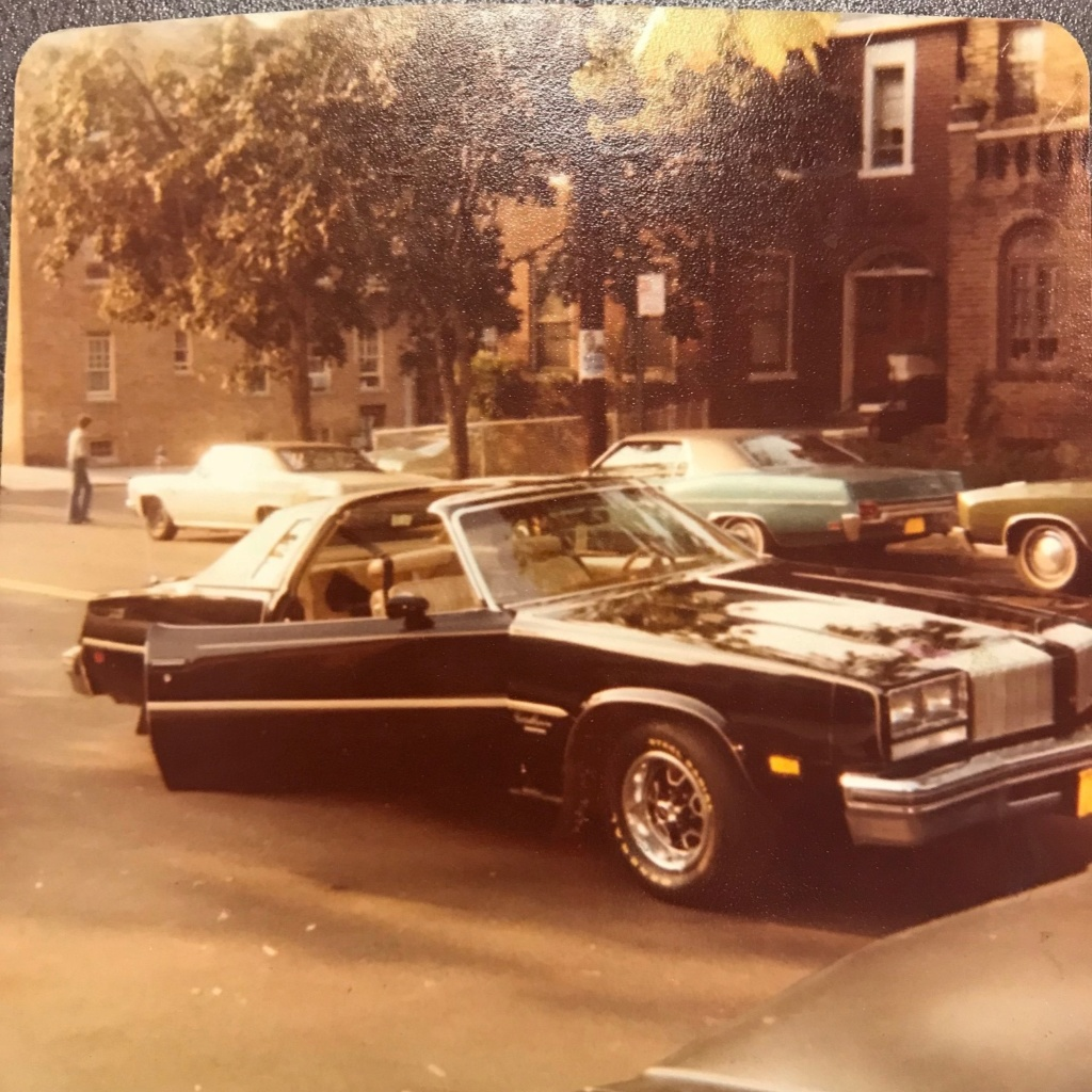 New Member with a 1977 Cutlass Supreme Brougham 1977_c11