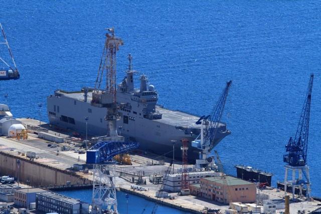 [LES PORTS MILITAIRES DE MÉTROPOLE] Mouvements de Bâtiments dans la rade de Toulon - Page 23 Img_3413