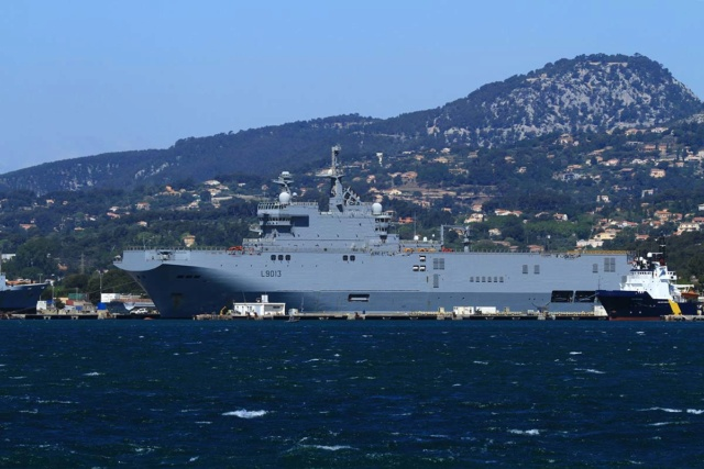 [LES PORTS MILITAIRES DE MÉTROPOLE] Mouvements de Bâtiments dans la rade de Toulon - Page 23 Img_3419