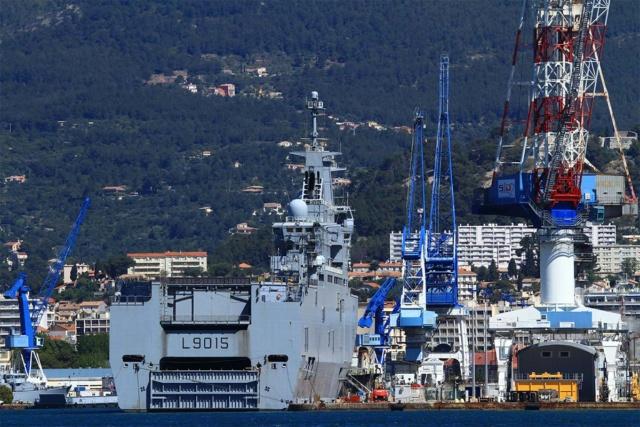 [LES PORTS MILITAIRES DE MÉTROPOLE] Mouvements de Bâtiments dans la rade de Toulon - Page 23 Img_3420