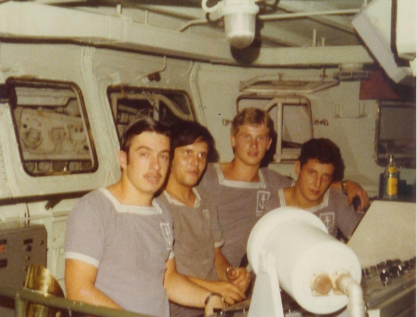 [Plongeurs démineurs] Bâtiment d'Expérimentations et de Recherches Sous-Marines (BERSM) TRITON - Page 4 Numzor13