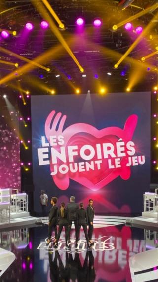 Les Enfoirés jouent le jeu - Samedi 30 Novembre sur TF1 Ejuiuk10