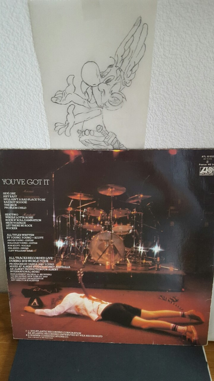 Ma collection - Page 33 Acdc_v10