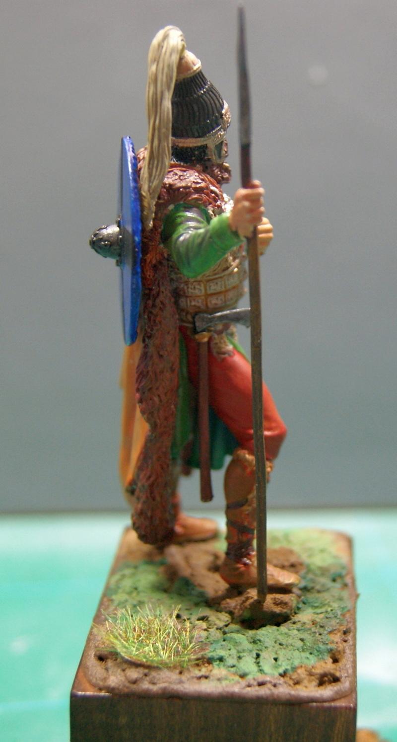 Vitrine de Vitruve   Mercenaire vers 1180 1200 - Page 5 Dsc07840