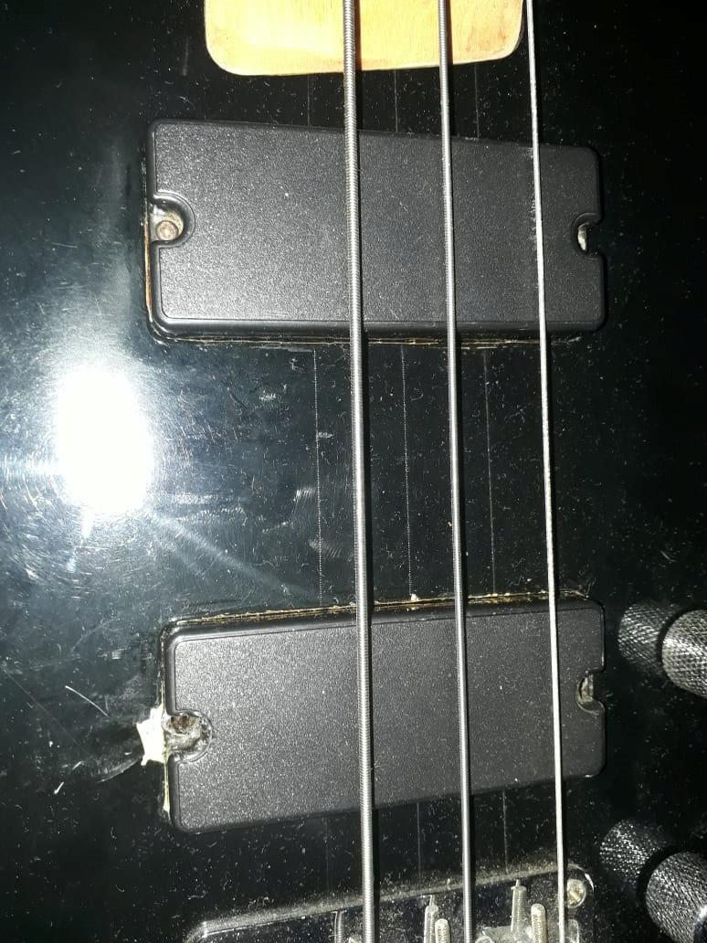 """Baixo """"Patinho Feio..."""" Bass311"""