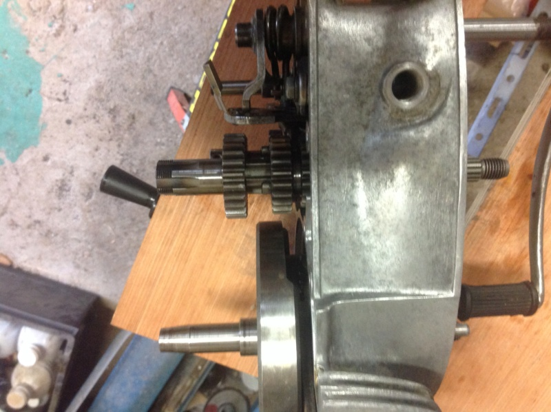 Remise en route d'une ETS 125, refection moteur - Page 11 Boite_11