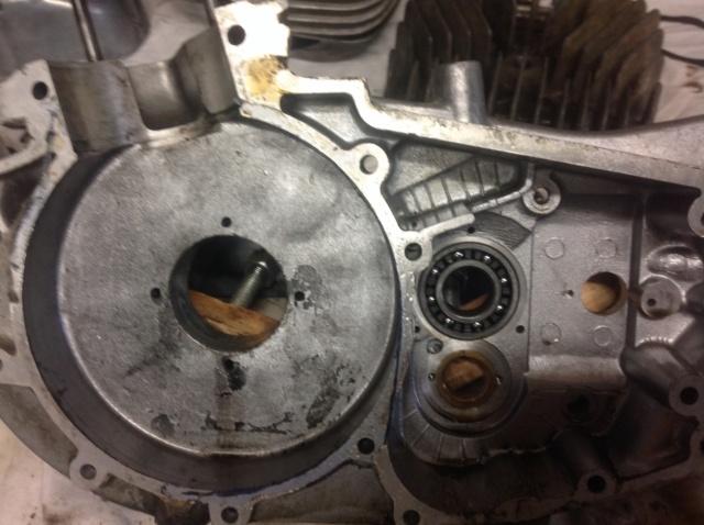 Remise en route d'une ETS 125, refection moteur - Page 9 Carter12
