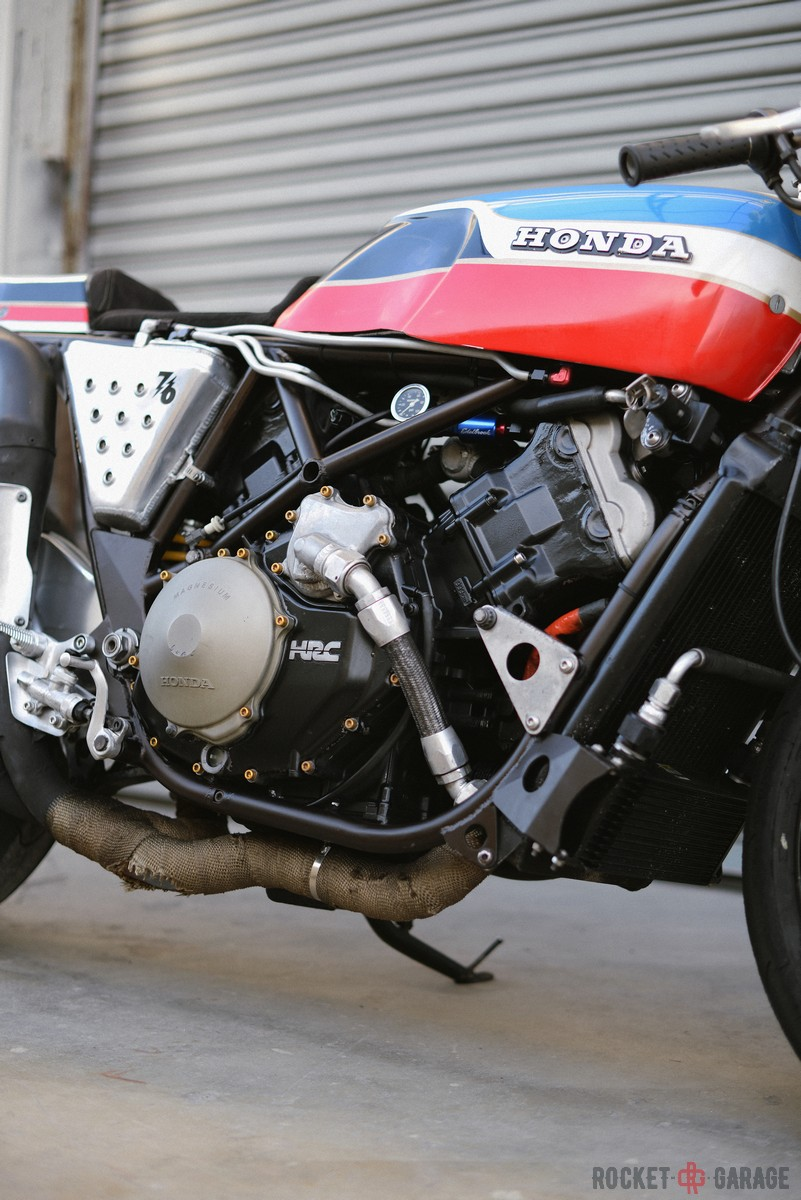 Racer, Oldies, naked ... TOPIC n°3 - Page 27 8f804f10