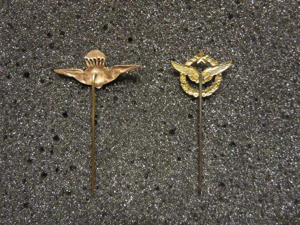 Identification  épinglette troupe aéroportée (celui de gauche) Img_1810