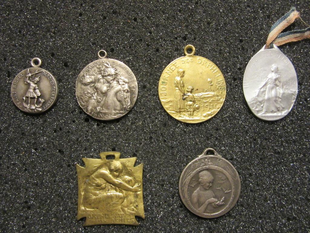 Lot médailles commémoratives époque 14-18 Img_1813