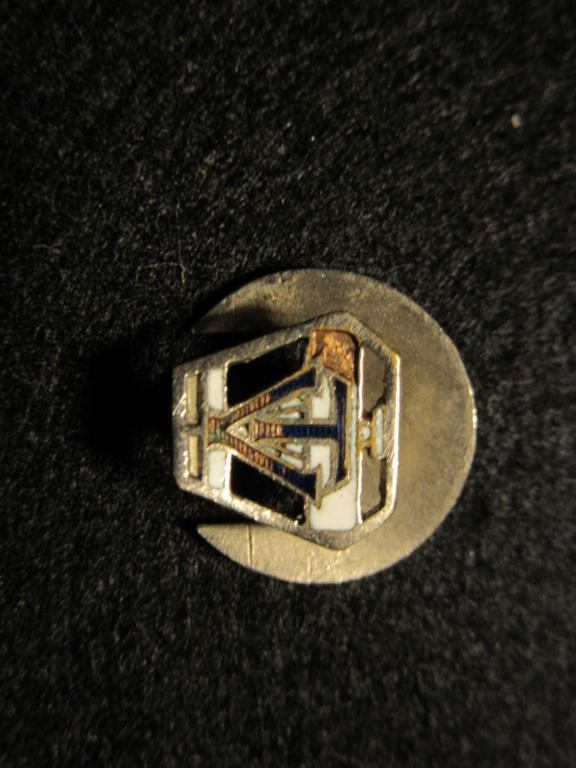 Insignes de boutonnière civil à identifier  Img_2010