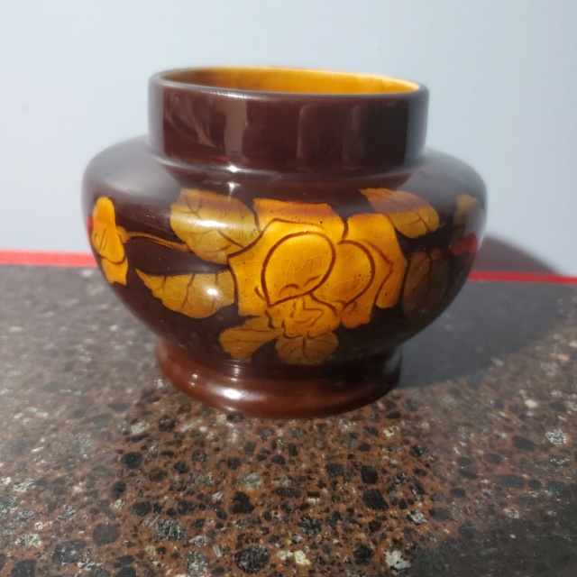 A piece without markings that looks a bit like moorcroft but muted 20210710