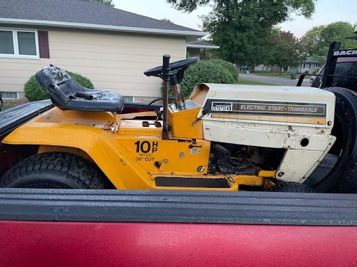 what kind of transaxle does this tractor have Unname13