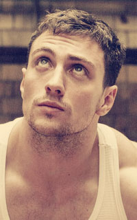 Aaron Taylor-Johnson 5610