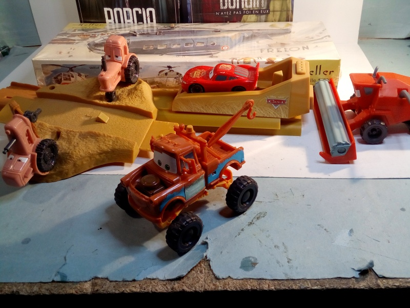 mes autres Cars 1 , 2 , 3 et Planes !!! toutes marques et matieres - Page 11 Img_2049