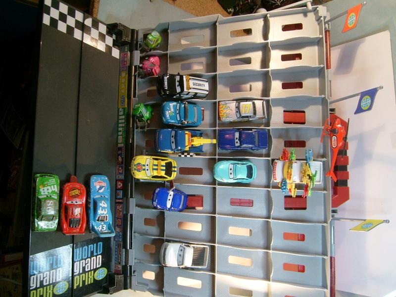 mes autres Cars 1 , 2 , 3 et Planes !!! toutes marques et matieres - Page 12 S7305101