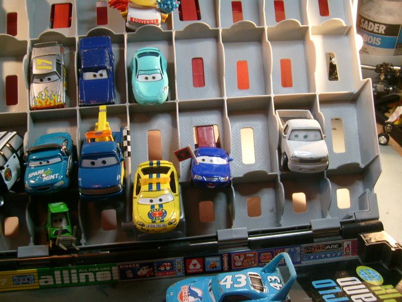 mes autres Cars 1 , 2 , 3 et Planes !!! toutes marques et matieres - Page 12 S7305102