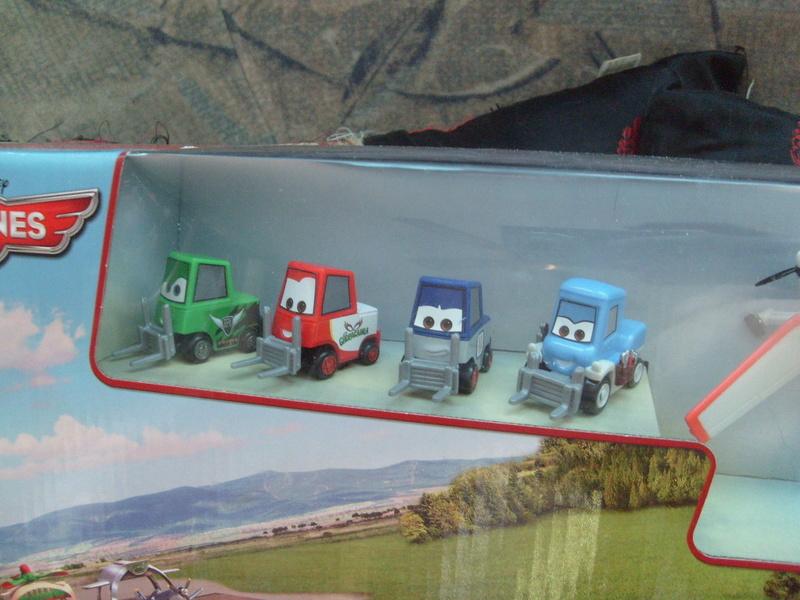 mes autres Cars 1 , 2 , 3 et Planes !!! toutes marques et matieres - Page 11 S7305661