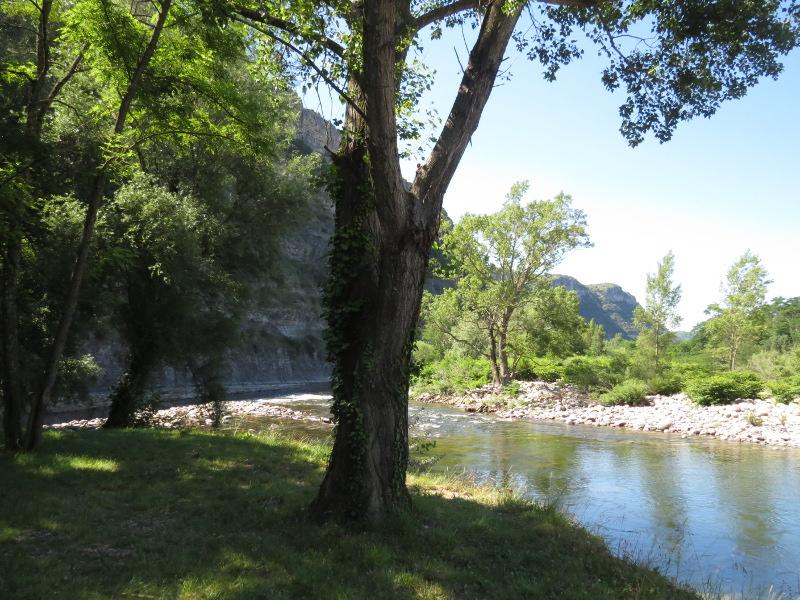 Yocco et Anook en Ardèche et en Provence 02_l_a10