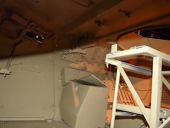 Recherche info interieur Sdkfz 223 10sdkf10