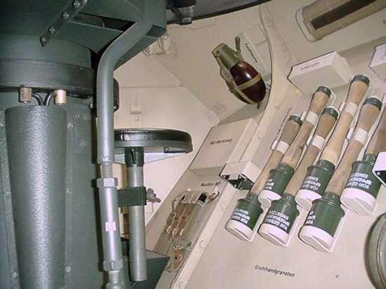 Recherche info interieur Sdkfz 223 222-1210