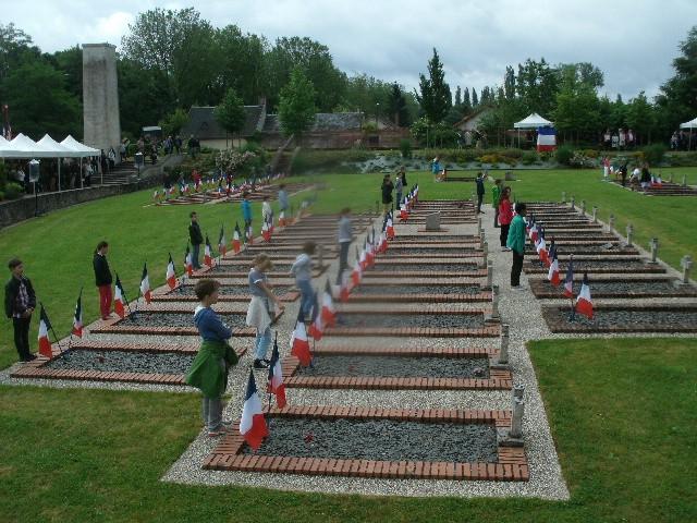 Nécropole nationale à La Ferté Saint Aubin (45) Gedc6313