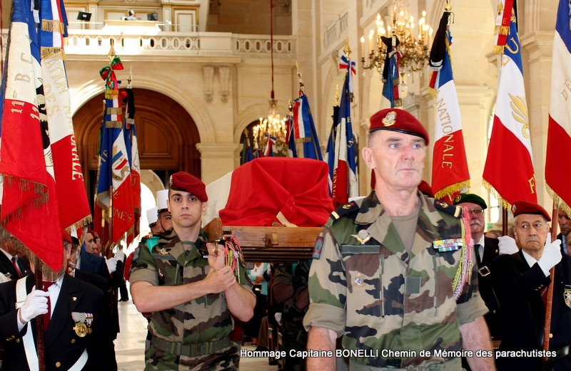 Le Capitaine Dominique BONELLI a reçu l'hommage de la nation aux INVALIDES, la cathédrale des soldats