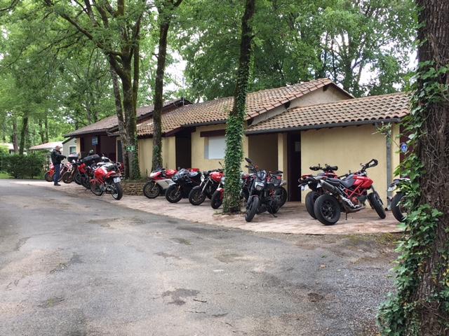 rassemblement Ducati en Perigord  Img_2715