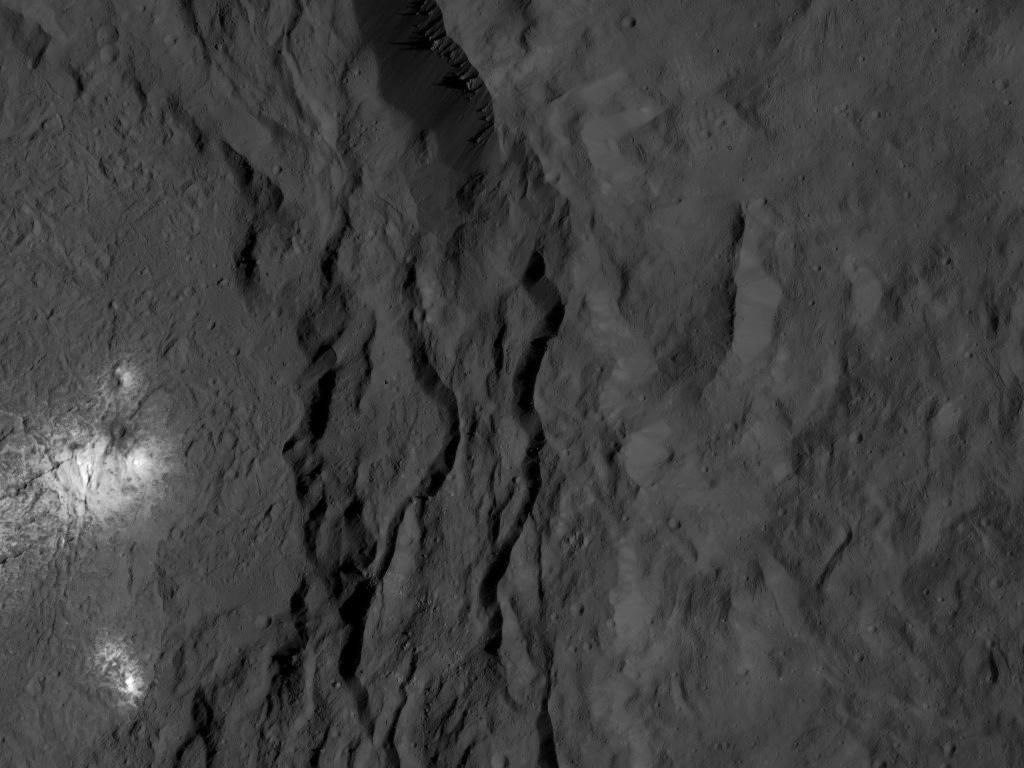Mission Dawn/Ceres - Page 4 Pia20810
