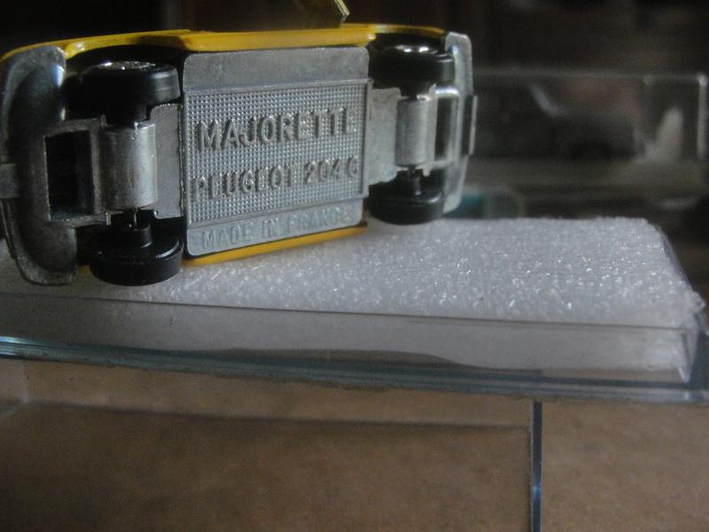 PEUGEOT  204 C Dsc00217