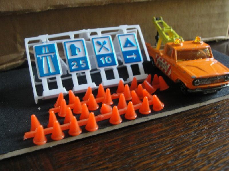 N°351 Dodge dépanneuse + signaux Dsc00432