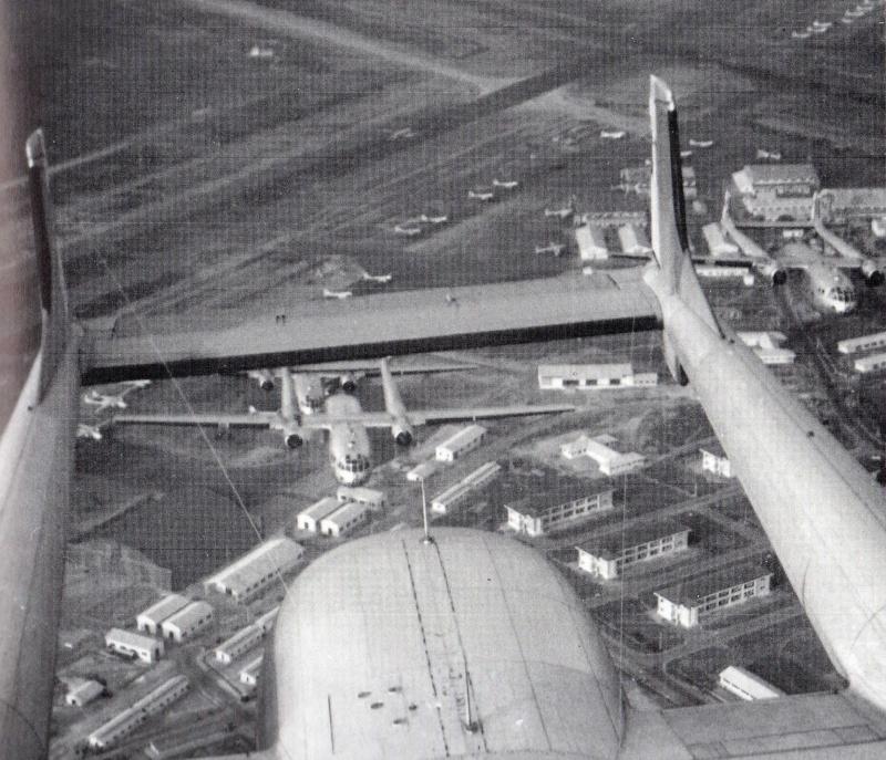 Formation de noratlas au dessus de l'indochine en 1954 Noratl11