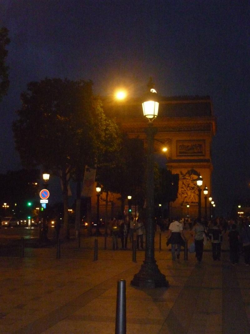 Paris ville lumière dans toute sa splendeur - Page 8 Arc_de10