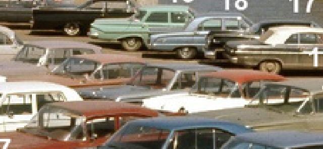 Identifiez le plus de (vieilles) voitures. Falcon10